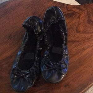 Shoes - NWOT Black Foldable Flats in large